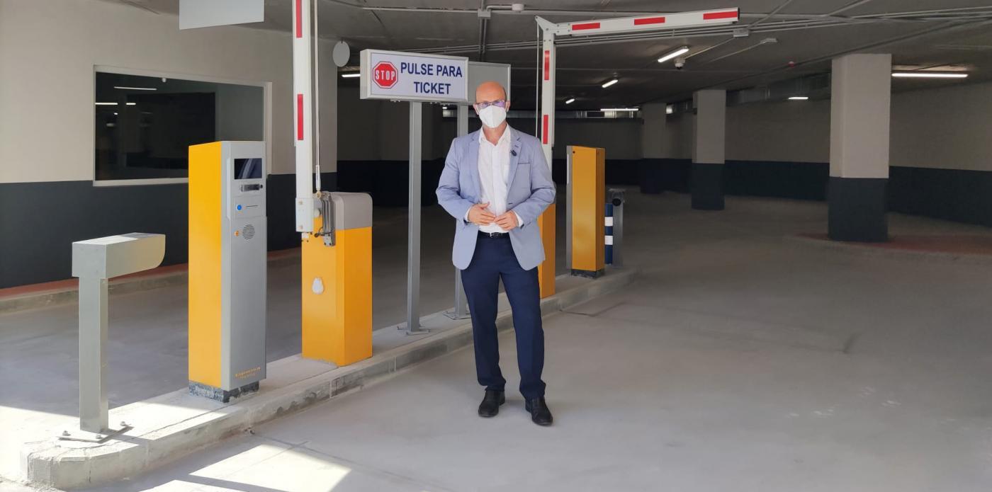 El parking ofrece hasta 162 plazas de estacionamiento en alquiler y rotación.