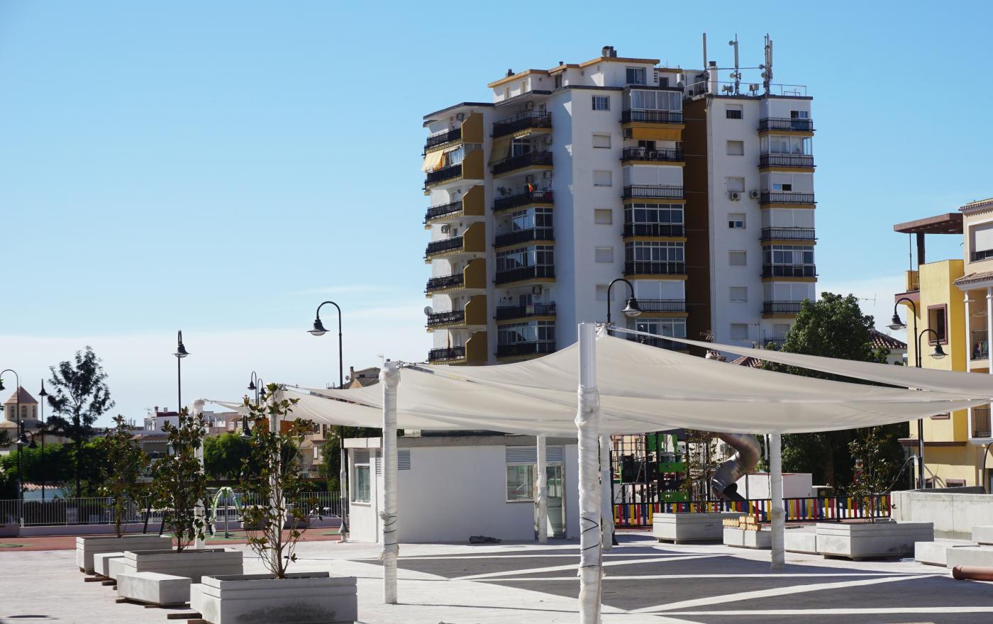 Este aparcamiento subterráneo, ubicado en el Camino del Albero.