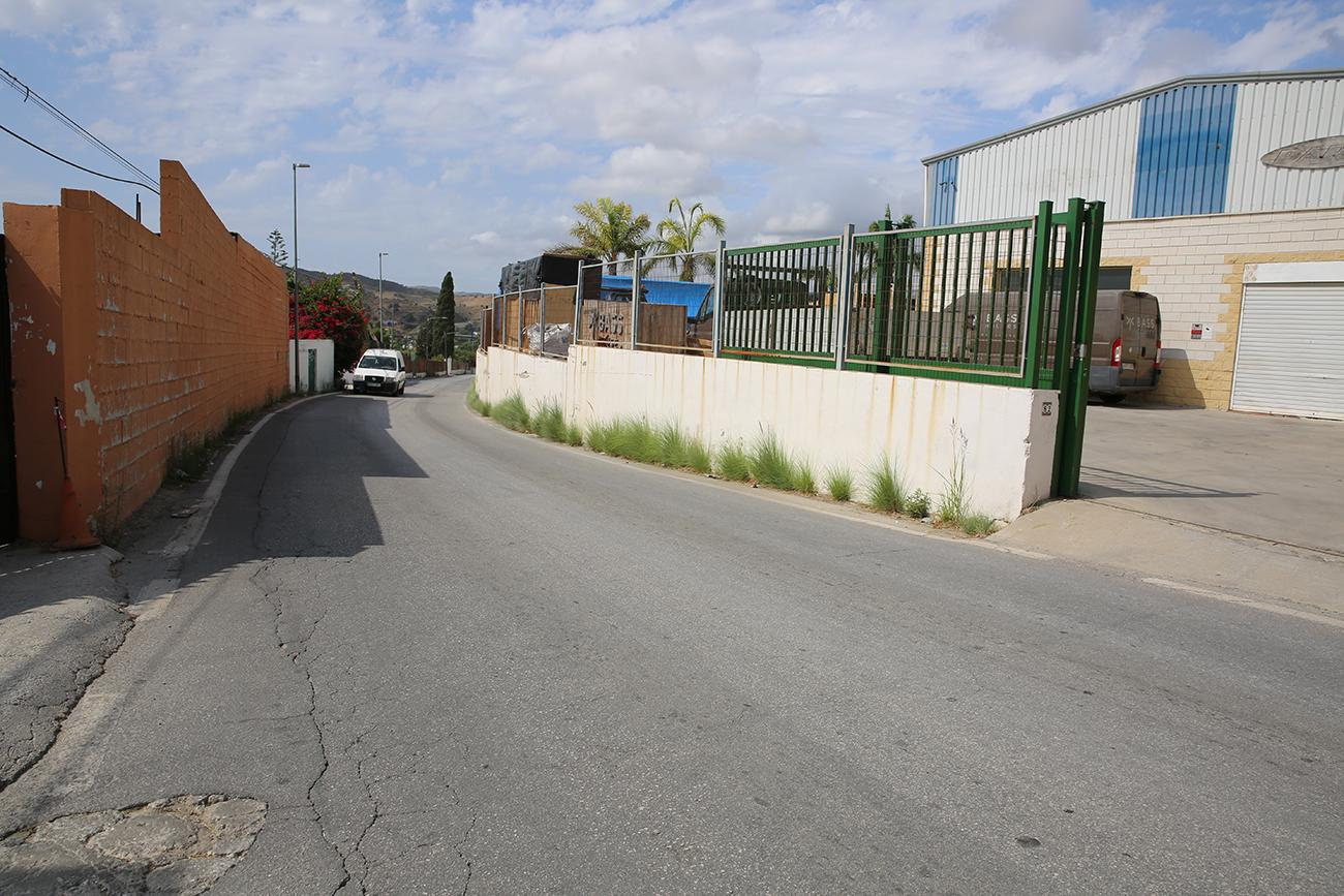Camino de Campanales, at the height of calle Doronj |a