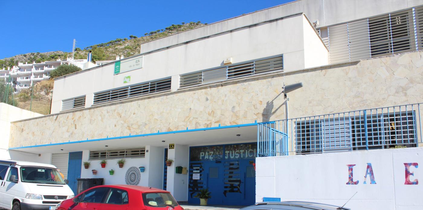 Fachada del IES Villa de Mijas  
